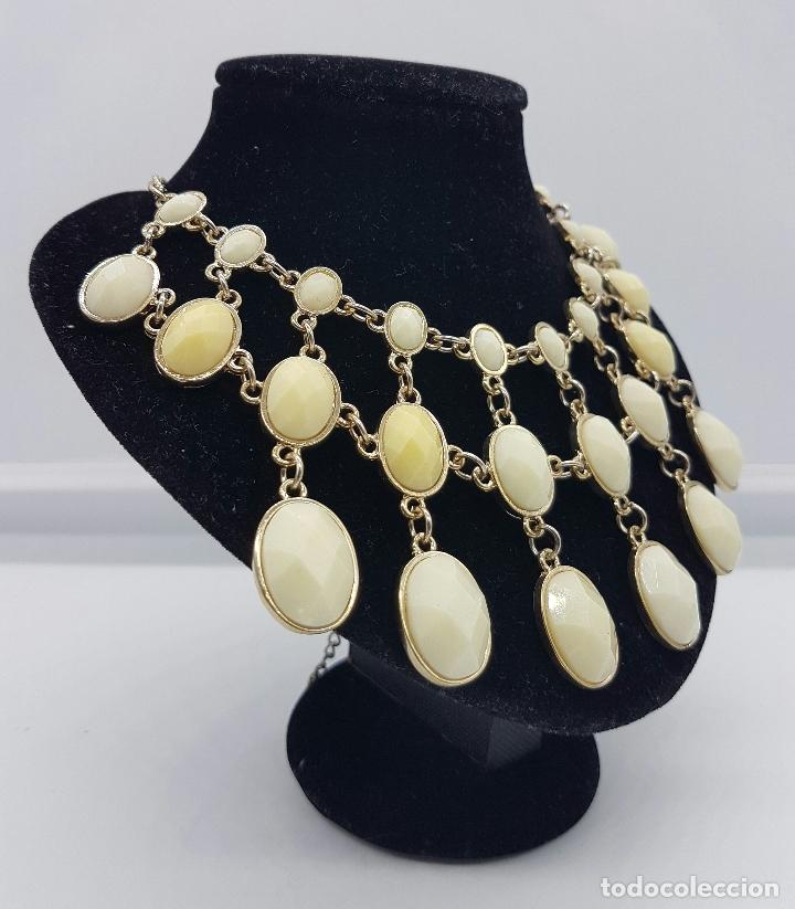 Joyeria: Gargantilla sofisticada con acabado en bronce y cabujónes en símil de marfil facetado . - Foto 3 - 167065041