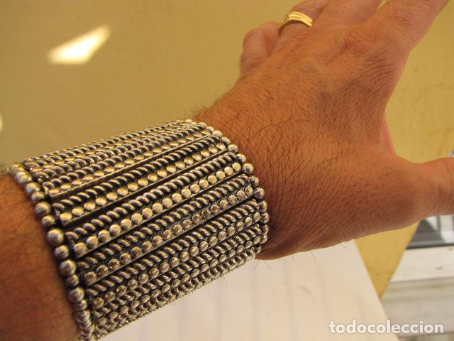 Joyeria: Pulsera Muñequera en metal plateado. Elástica - Foto 2 - 87462748