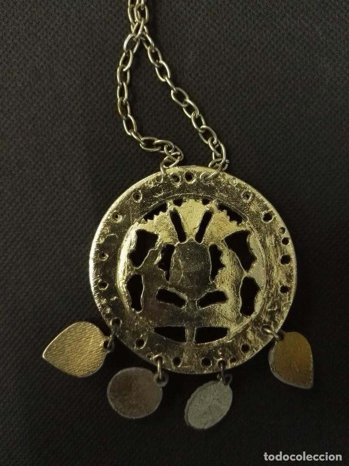 Joyeria: Collar colgante de metal y piedras azules. - Foto 3 - 91208560