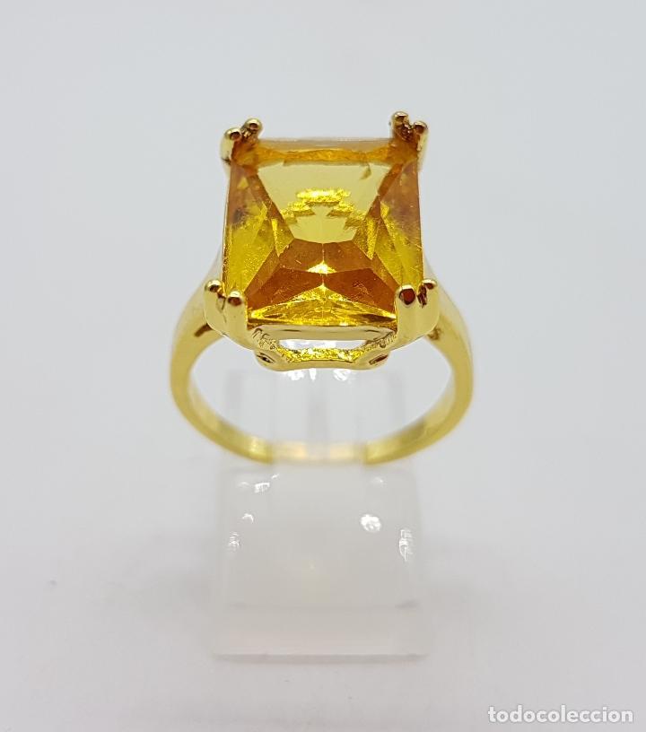 Joyeria: Anillo de estilo art decó con símil de citrino talla esmeralda y acabado en oro de 14k . - Foto 2 - 180079607