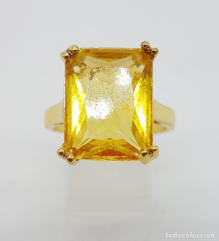 Joyeria: Anillo de estilo art decó con símil de citrino talla esmeralda y acabado en oro de 14k . - Foto 4 - 180079607