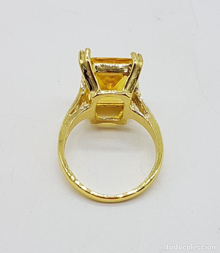 Joyeria: Anillo de estilo art decó con símil de citrino talla esmeralda y acabado en oro de 14k . - Foto 5 - 180079607