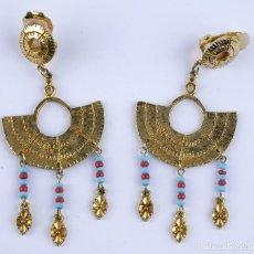 Joyeria: PENDIENTES ESTILO EGIPCIO EN METAL CON ABALORIOS. Lote 118386627