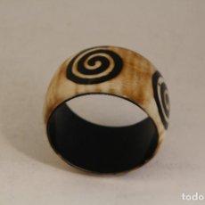 Joyeria - pulsera de hueso o marfil - 128278155