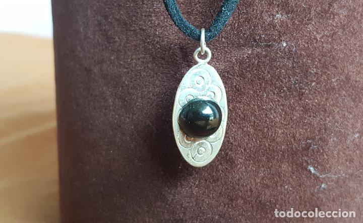 Joyeria: Colgante en plata de ley y azabache. Silver pendant. - Foto 3 - 129084387