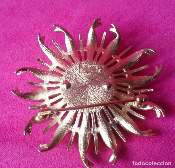 Joyeria: Broche dorado vintage forma flor marcado - Foto 3 - 129603867