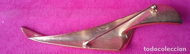 Joyeria: Broche dorado vintage forma hoja marcado - Foto 2 - 129604119
