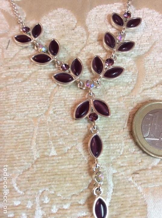 Joyeria: Collar gargantilla de metal plateado con hojas color amatista - Foto 3 - 137590638