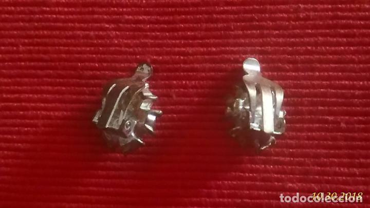 Joyeria: Pendientes de clips. Forma de flor plateados. 1,5 cm de diámetro - Foto 3 - 139730558