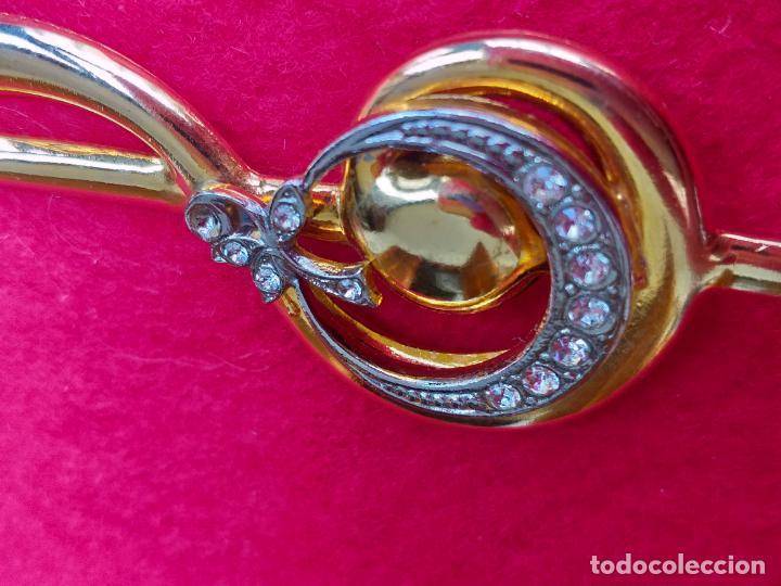 Joyeria: Bonito broche de estilo vintage con forma de nota musical. Dorado. Pin - Foto 4 - 159168374