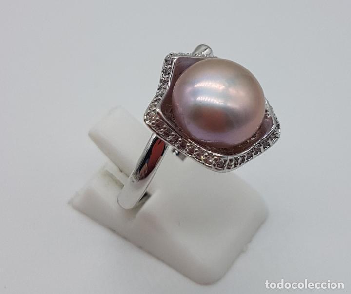 Joyeria: Elegante sortija con acabado en plata de ley 925, perla cultivada color malva y circonitas . - Foto 4 - 160186530
