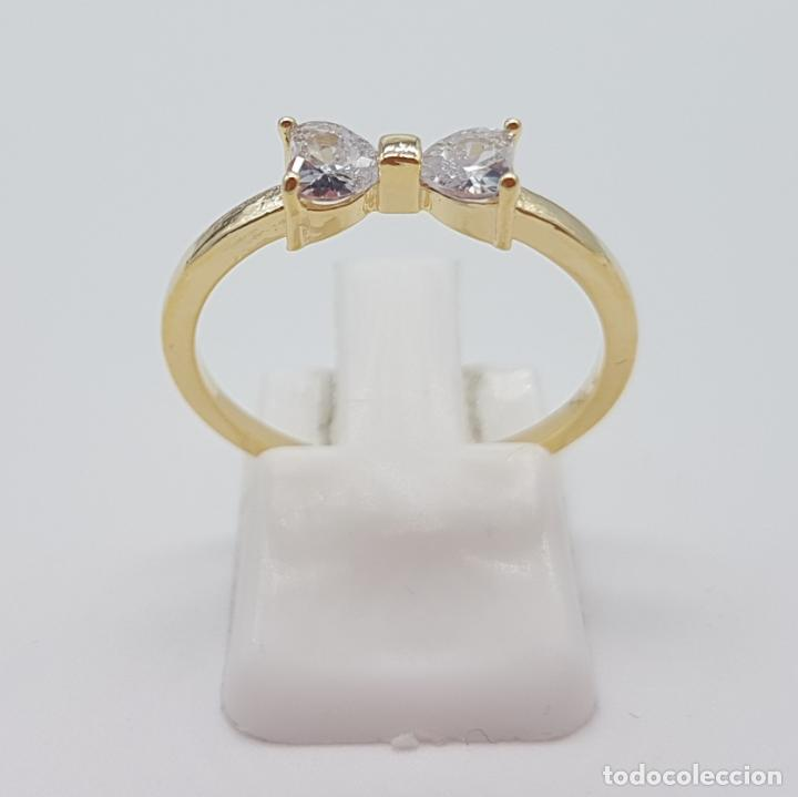 Joyeria: Elegante sortija tipo pedida de mano, con acabado en oro de 14k, y dos circonitas talla corazón . - Foto 4 - 160250898