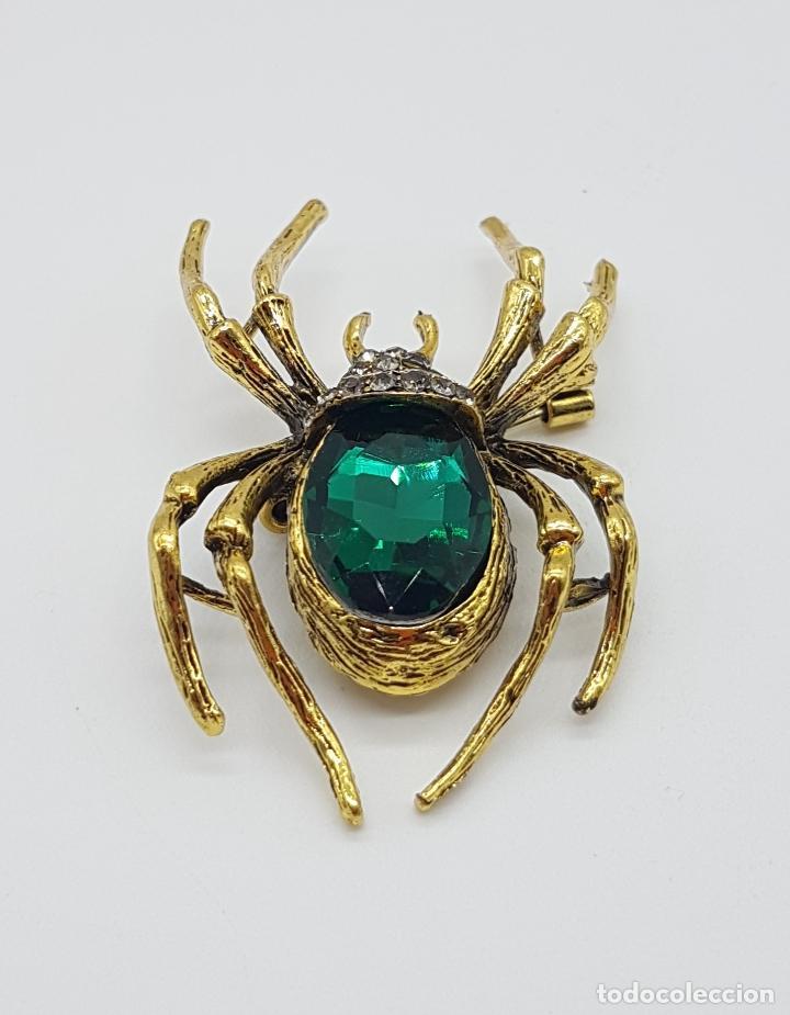 Joyeria: Magnífico broche de araña estilo gotico con acabado en oro viejo, pedrería y cristal austriaco verde - Foto 5 - 162115574