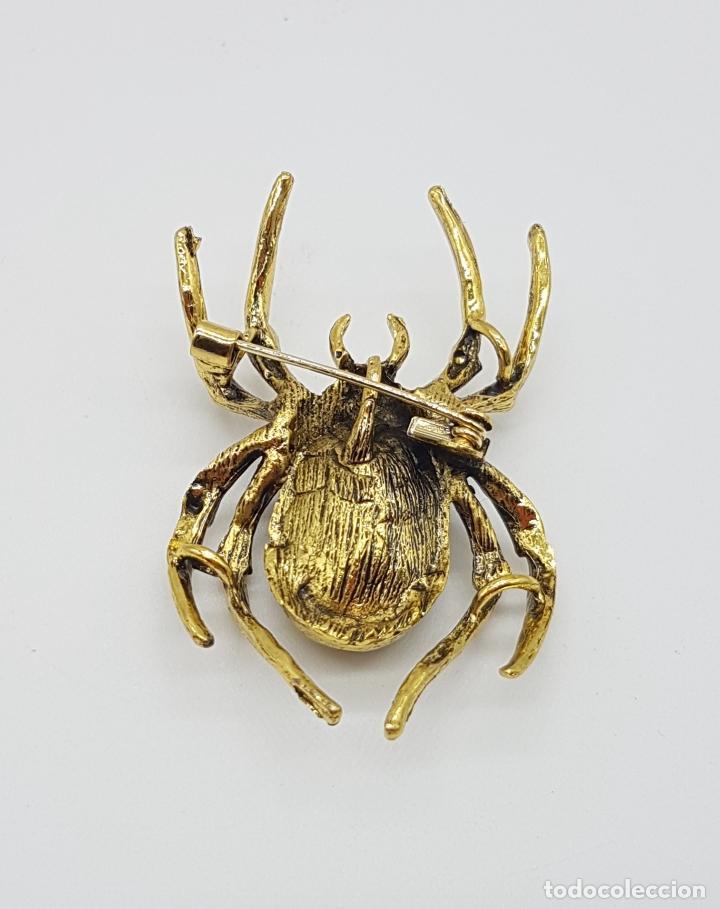 Joyeria: Magnífico broche de araña estilo gotico con acabado en oro viejo, pedrería y cristal austriaco verde - Foto 6 - 162115574
