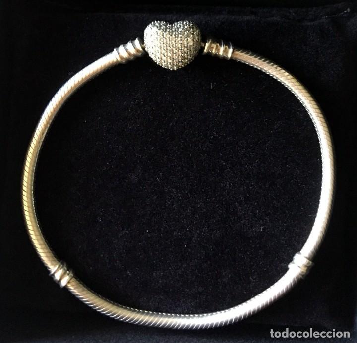 7c974e180f2b Pulsera Pandora original de plata con cierre corazón de circonitas  transparentes en pavé, con caja