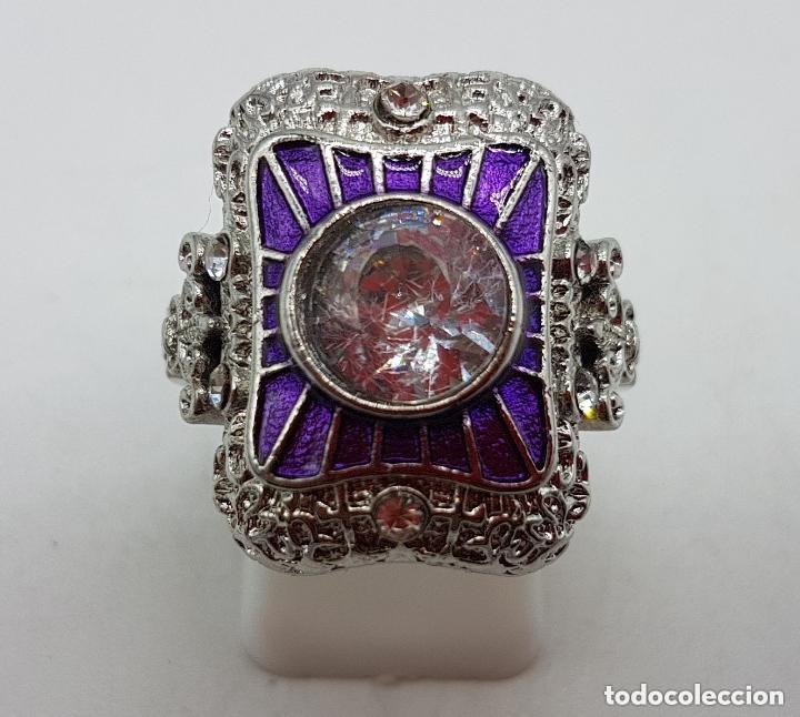 Joyeria: Bella sortija de estilo rococó con acabado en plata de ley, circonita talla diamante y esmaltes . - Foto 6 - 167925276