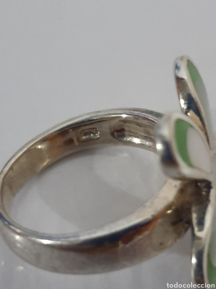 Joyeria: Anillo plata de ley 925 flor con madreperla y esmalte verde - Foto 2 - 170034910