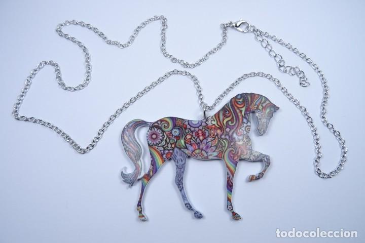 Joyeria: Colgante en forma de caballo de mil colores y cadena de plata - Foto 4 - 171173504