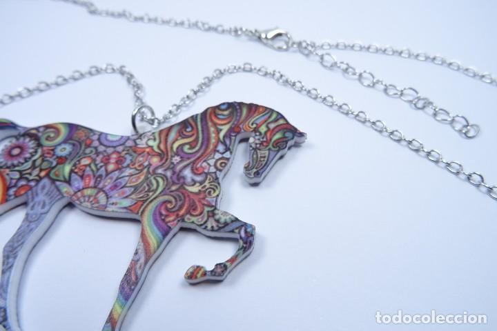 Joyeria: Colgante en forma de caballo de mil colores y cadena de plata - Foto 6 - 171173504