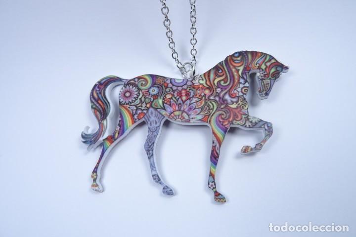 Joyeria: Colgante en forma de caballo de mil colores y cadena de plata - Foto 7 - 171173504