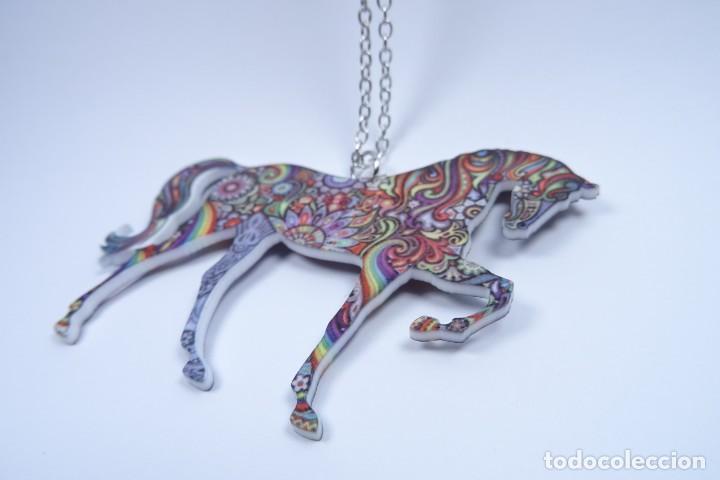 Joyeria: Colgante en forma de caballo de mil colores y cadena de plata - Foto 8 - 171173504