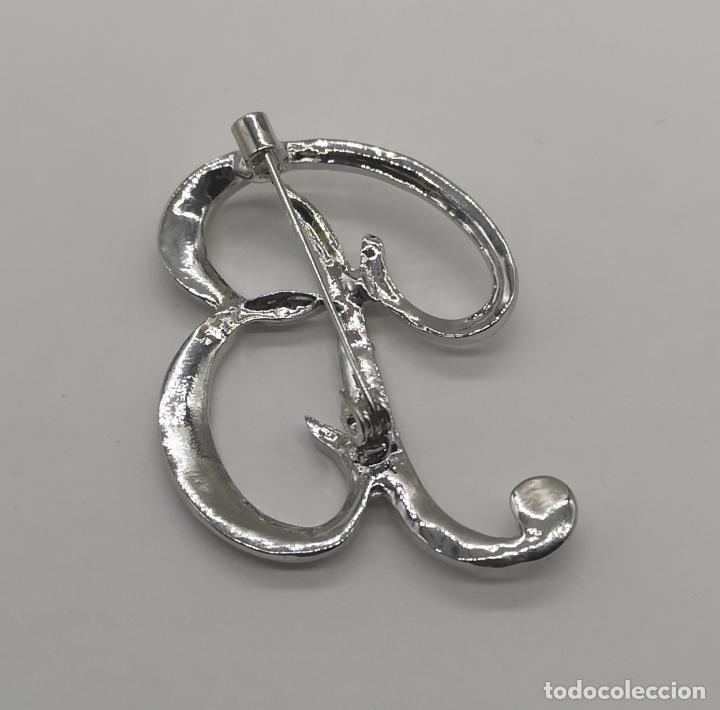 Joyeria: Elegante broche de estilo vintage de la inicial B con baño de plata de ley y circonitas . - Foto 5 - 174270202