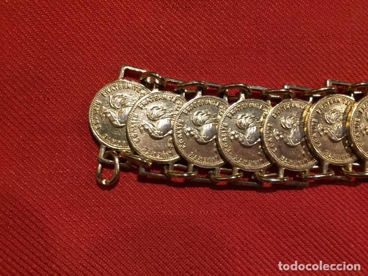 Joyeria: Antiguo pulsera de bisutería imitando monedas de oro años 50-60 - Foto 3 - 177520397
