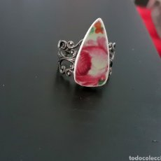 Joyeria: ANILLO CON ROSA DE PORCELANA ANTIGUA Y BASE DE FILIGRANA AJUSTABLE. Lote 194605413