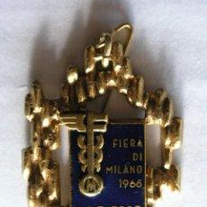 Joyeria: BROCHE / COLGANTE FERIA DE MILÁN 1966 - METAL Y ESMALTE - NUMERADO - BERTONI-MILANO. Lote 195117795