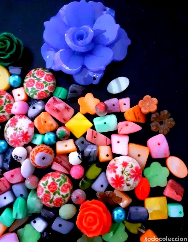 Joyeria: Super lote de cuentas, abalorios de bisutería vintage con flores, nácar y colgante de flor Azul - Foto 3 - 195516822