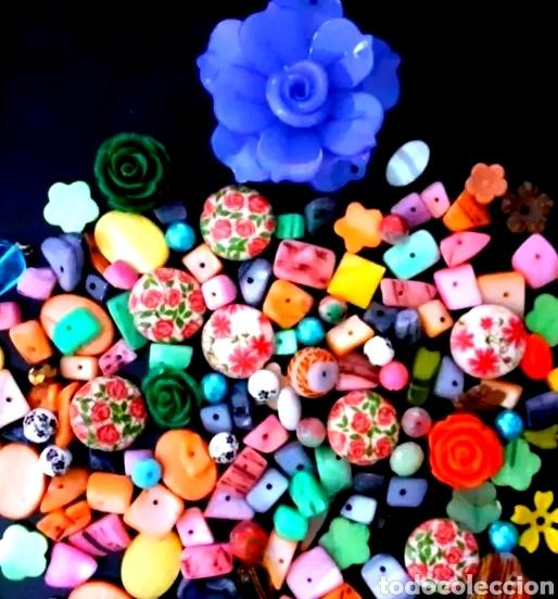 Joyeria: Super lote de cuentas, abalorios de bisutería vintage con flores, nácar y colgante de flor Azul - Foto 4 - 195516822