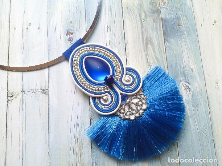 Joyeria: Colgante de estilo gypsy y bohemio en azul, plata y blanco con una borla en abanico azul - Foto 2 - 199478535