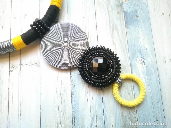 Joyeria: Collar 2 en 1 cosido a mano con pedrería y soutache en amarillo, negro y plateado hecho a mano - Foto 4 - 200328643