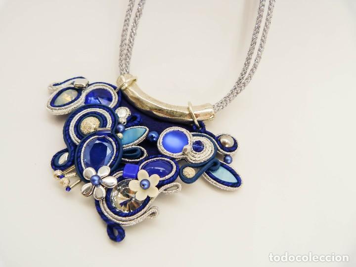 Joyeria: Collar con soutache y cristal Swarovski en tonod azules y plateados hecho a mano artesano - Foto 3 - 200343980