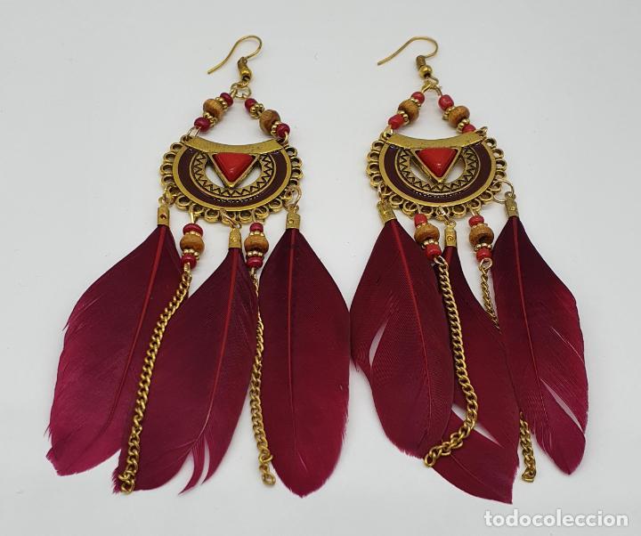Joyeria: Bellos pendientes de estilo boho chic con baño de oro viejo, plumas y aplicaciones rojo coral . - Foto 3 - 205551681