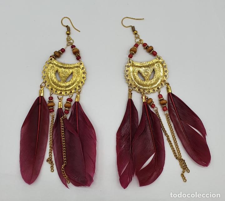 Joyeria: Bellos pendientes de estilo boho chic con baño de oro viejo, plumas y aplicaciones rojo coral . - Foto 5 - 205551681
