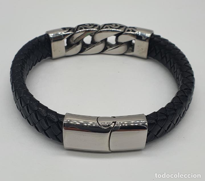 Joyeria: Moderno brazalete para hombre en cuero auténtico trenzado y acero inoxidable pulido . - Foto 4 - 266474183
