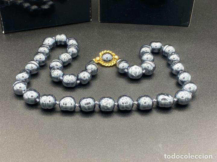 Joyeria: chanel necklace 1981 glass pearls in box , collar de chanel con perlas de cristal barrocas en caja - Foto 3 - 222455597