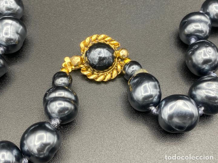 Joyeria: chanel necklace 1981 glass pearls in box , collar de chanel con perlas de cristal barrocas en caja - Foto 5 - 222455597