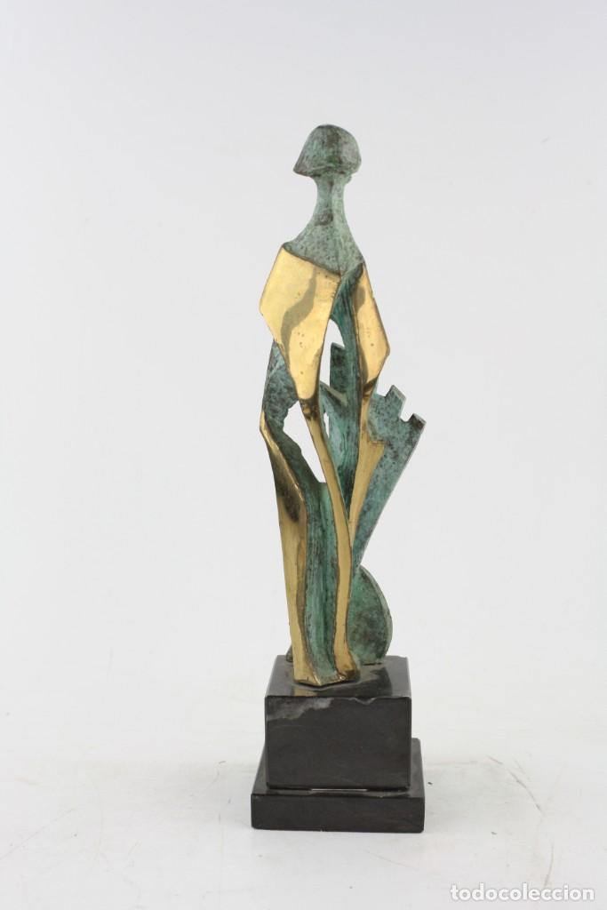 Joyeria: Jaume Perelló, escultura, figura con escudo, tiraje 5 / 25. - Foto 2 - 224035035