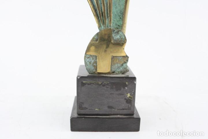 Joyeria: Jaume Perelló, escultura, figura con escudo, tiraje 5 / 25. - Foto 5 - 224035035