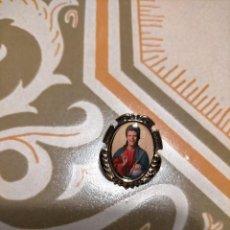 Joyeria: PIN ESTILO MEDALLA BARROCO IGLESIA RELIGIOSO DAVID BOWIE, POPLAND. Lote 226134030