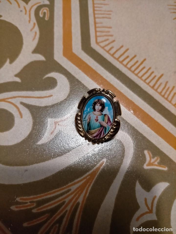 PIN ESTILO MEDALLA BARROCO IGLESIA RELIGIOSO JIM MORRISON THE DOORS, POPLAND (Bisutería)