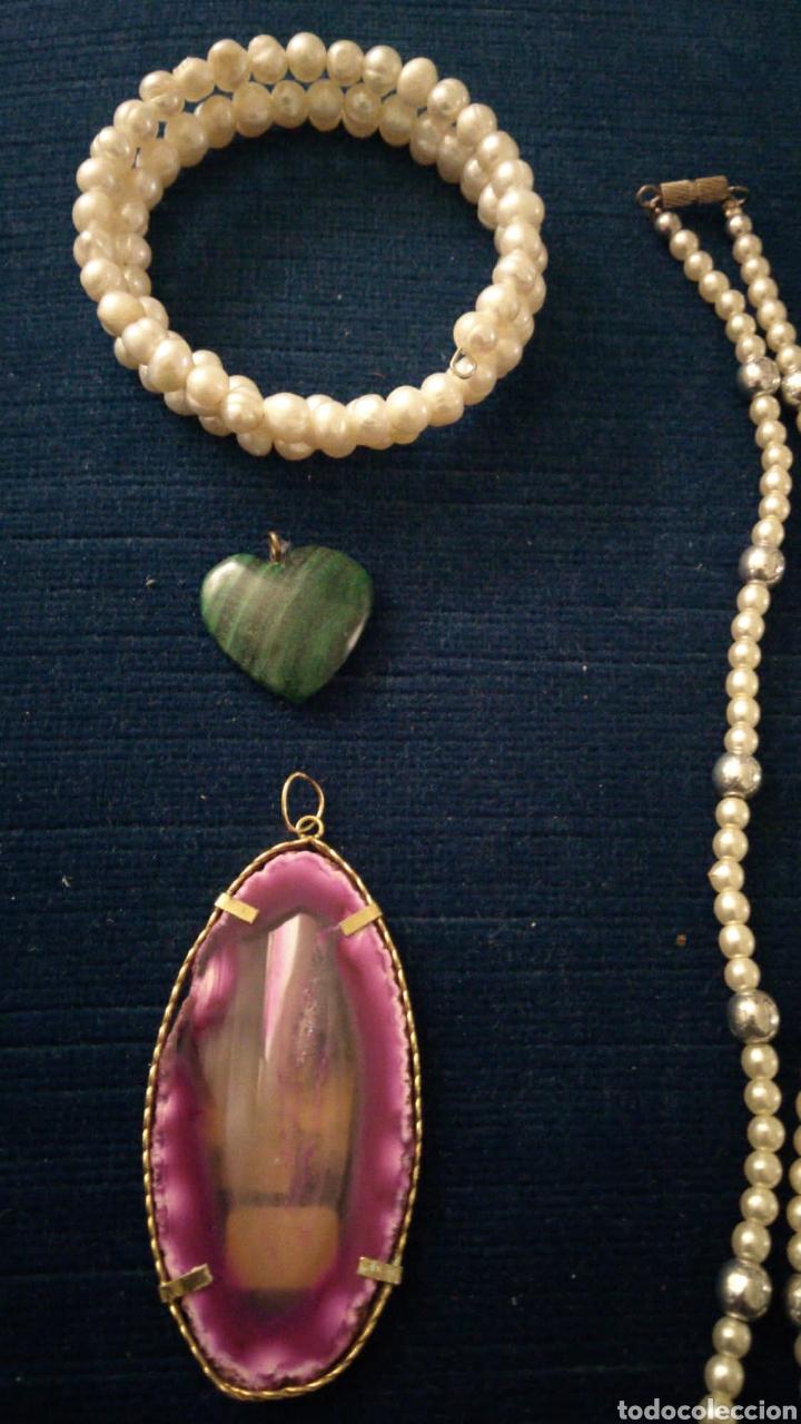 Joyeria: Lote de bisutería vintage pulseras collar broches y colgantes. - Foto 2 - 235647290