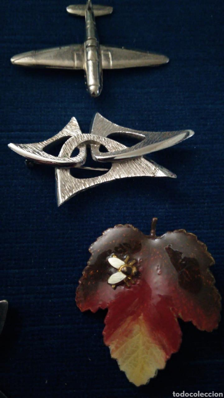 Joyeria: Lote de bisutería vintage pulseras collar broches y colgantes. - Foto 4 - 235647290