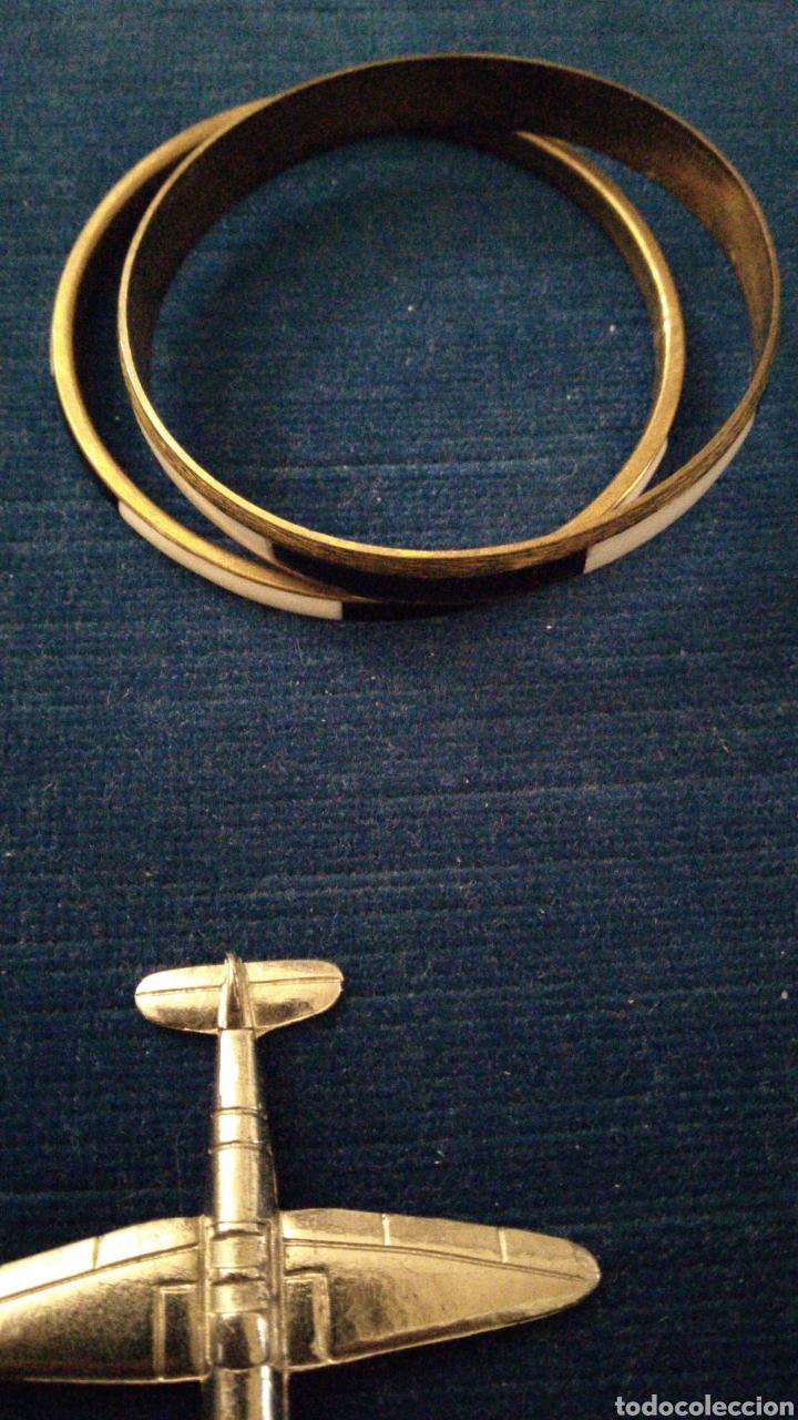 Joyeria: Lote de bisutería vintage pulseras collar broches y colgantes. - Foto 5 - 235647290