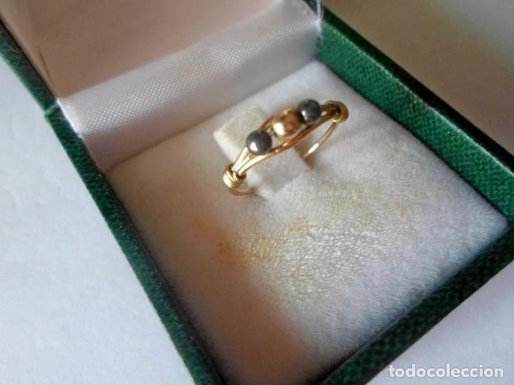 ANILLO MUJER GOLD FILLED - AÑOS 90 -PEQUEÑO - UNOS 13 O 14 MM DE DIAMETRO (Bisutería)