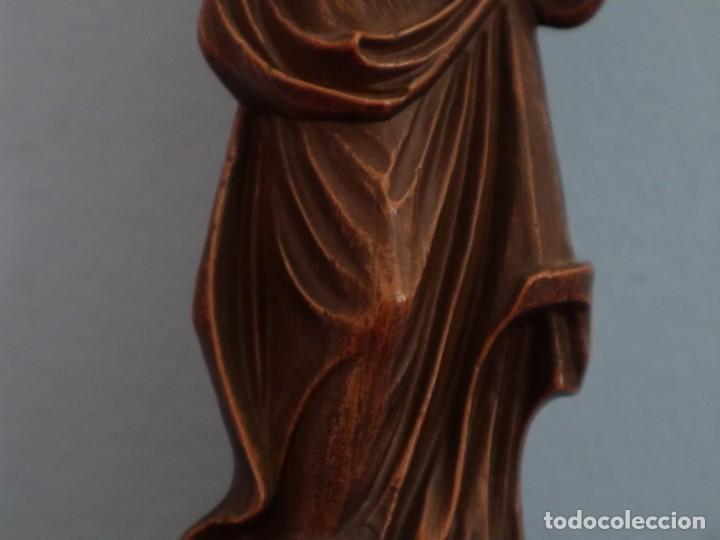 Joyeria: Virgen con Niño. Imagen de pequeñas dimensiones de madera tallada. S. XX. Mide 17 cm. - Foto 5 - 254447730
