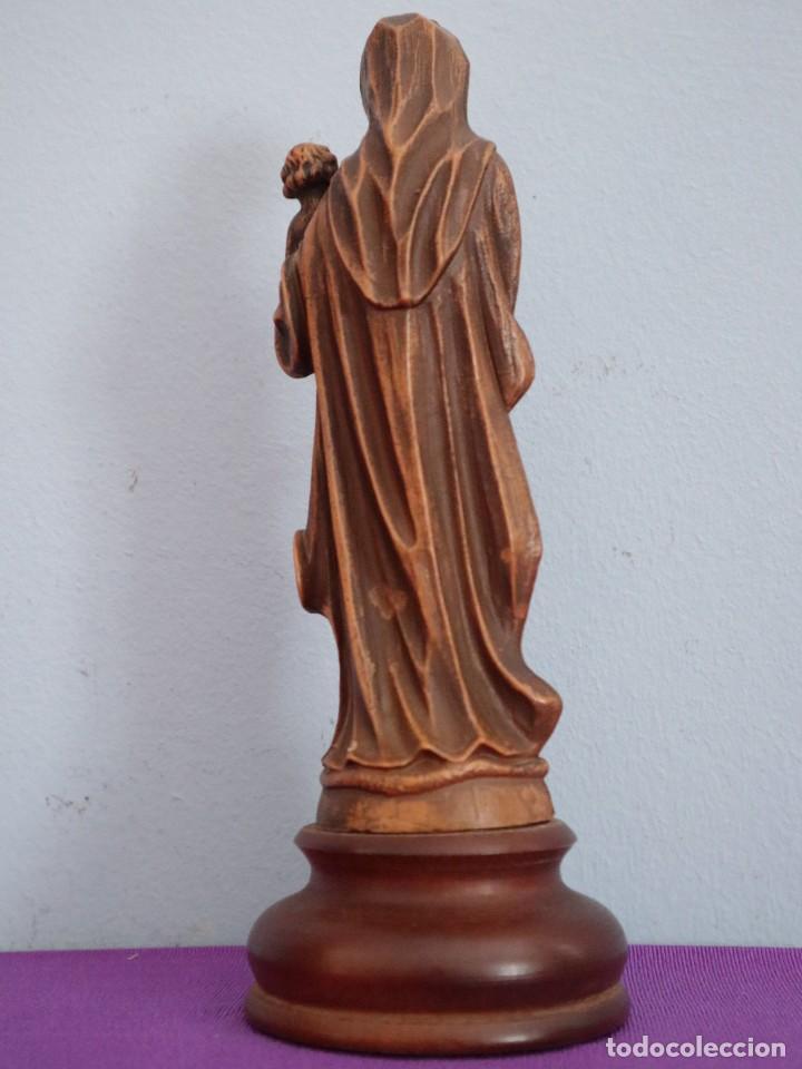 Joyeria: Virgen con Niño. Imagen de pequeñas dimensiones de madera tallada. S. XX. Mide 17 cm. - Foto 10 - 254447730