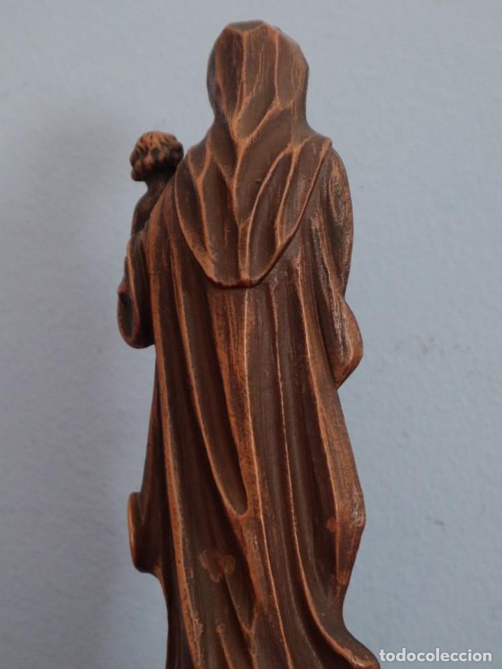 Joyeria: Virgen con Niño. Imagen de pequeñas dimensiones de madera tallada. S. XX. Mide 17 cm. - Foto 11 - 254447730